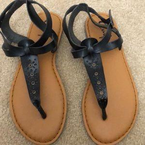 EUC Curfew Black Sandals Size 8